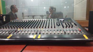 صورة تسجيل ثاني حلقة إذاعية